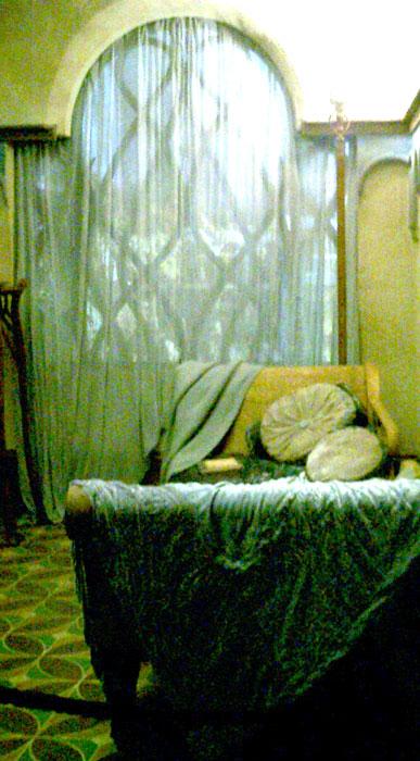 1000 images about lotr hobbit sets on pinterest for Hobbit themed bedroom