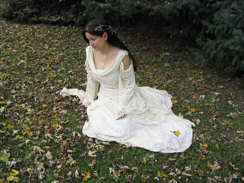 Arwen Bridge Dress Images & Pictures - Becuo: becuo.com/arwen-bridge-dress